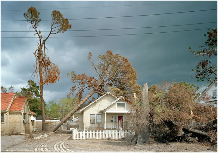 Robert Polidori, 5979 West End Boulevard, Color photograph, 2008. Courtesy the artist