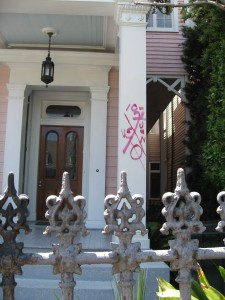 Figure 4. This search and rescue code is preserved on a Garden District home. Photograph by the author.