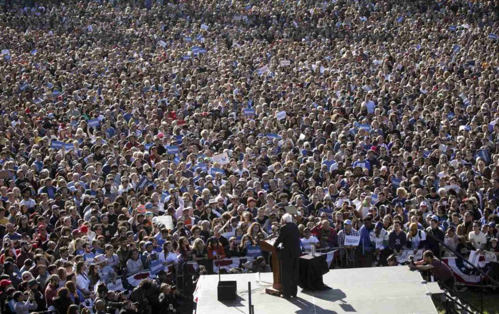 Still image of Bernie Sanders' 2019 Queens rally crowds shot from bird's eye view.